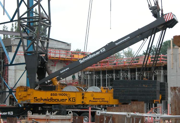 Gottwald AK850 crane